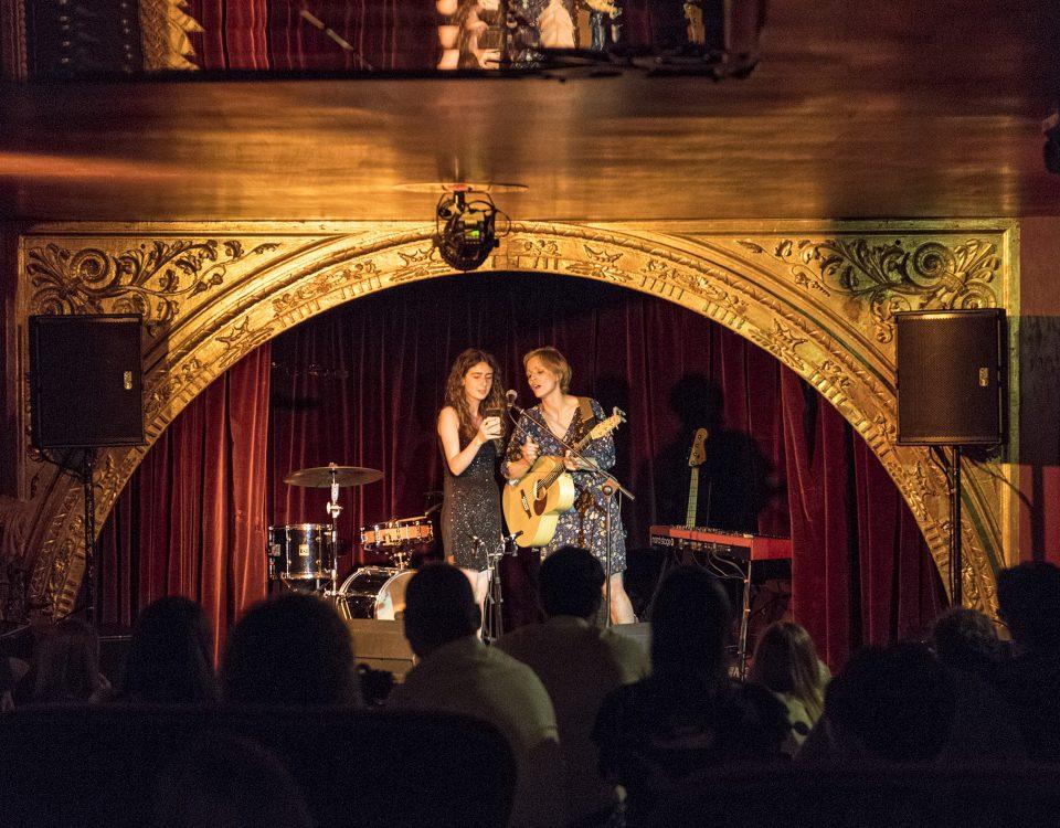 Red Theater: Carolina & Laura Sirani